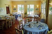 restaurant interior domaine de cabasse rhone france