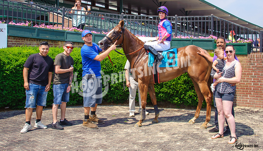 Takin It Easy winning at Delaware Park on 6/18/18