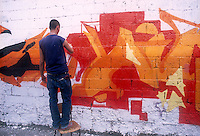 - graffiti in front of the social center Leoncavallo....- graffiti davanti al centro sociale Leoncavallo