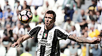 Calcio, Serie A: Juventus vs Crotone. Torino, Juventus Stadium, 21 maggio 2017.<br /> Juventus' Mario Mandzukic in action during the Italian Serie A football match between Juventus and Crotone at Turin's Juventus Stadium, 21 May 2017. Juventus defeated Crotone 3-0 to win the sixth consecutive Scudetto.<br /> UPDATE IMAGES PRESS/Isabella Bonotto