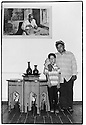 Uzbekistan - Ferghana - Khaidarov, Family company founded by Kodirjon who sold wooden objects to Lenin and Brejhnev.