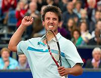 11-09-11, Tennis, Alphen aan den Rijn, Tean International, Igor Sijsling  juicht, hij wint Tean International