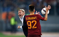 Calcio, Europa League, Gguppo E: Roma vs Austria Vienna. Roma, stadio Olimpico, 20 ottobre 2016.<br /> Austria Wien's coach Thorsten Fink, left, gives indications to his players past Roma's Stephan El Shaarawy during the Europa League Group E soccer match between Roma and Austria Wien, at Rome's Olympic stadium, 20 October 2016. The game ended 3-3.<br /> UPDATE IMAGES PRESS/Isabella Bonotto