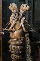 France, Creuse (23), Moutier-d'Ahun, abbaye de Moutier-d'Ahun, les boiseries sculptées dans l'église, le lutrin // France, Creuse, Moutier-d'Ahun, Moutier d'Ahun abbey, the carved woodwork in the church, the lectern