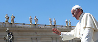 Papa Francesco al termine di un'udienza giubilare in Piazza San Pietro, Citta' del Vaticano, 18 giugno 2016.<br /> Pope Francis leaves at the end of a Jubilee audience in St. Peter's Square at the Vatican, 18 June 2016.<br /> UPDATE IMAGES PRESS/Isabella Bonotto<br /> <br /> STRICTLY ONLY FOR EDITORIAL USE