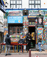 Nederland - Amsterdam 2018.  Coffeeshop The Bulldog op de Wallen.  Foto Berlinda van Dam / Hollandse Hoogte