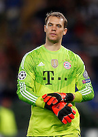 Calcio, Champions League, Gruppo E: Roma vs Bayern Monaco. Roma, stadio Olimpico, 21 ottobre 2014.<br /> Bayern's goalkeeper Manuel Neuer leaves the pitch at the end of the Group E Champions League football match between AS Roma and Bayern at Rome's Olympic stadium, 21 October 2014. Bayern won 7-1.<br /> UPDATE IMAGES PRESS/Isabella Bonotto