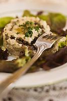Europe/France/Rhône-Alpes/42/Loire/Saint-Etienne:  Pied de veau aux lentilles vertes du Puy    recette du Bouchon Stéphanois  Corne d'Aurochs