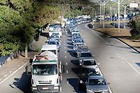 Campinas (SP), 26/05/2020 - Covid-19/Fiscalização - A Guarda Municipal da cidade de Campinas, interior de São Paulo realizou nesta terça-feira (26), operação na Av Lix da Cunha para acompanhar o cumprimento das medidas da quarentena e tambem a distribuição de mascaras para a população.