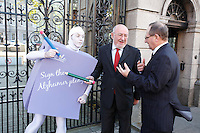 NO REPRO FEE. 18/10/2011. Cross partyTDs  to put aside party differences for Alzheimers. Cross party elected officials will join forces with a giant purple post it character outside the gates of Dail Eireann to remind elected officials to sign up to the Alzheimer Pledge to bring in a National Dementia Strategy for Ireland. Pictured are Maurice O Connell CEO Alzheimer Society of Ireland and Caomghin O Caolin Sinn Fein spokesperson on health. Picture James Horan/Collins Photos