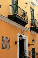 """Cuba/La Havane: Détail façade de l'hôtel """"Valencia"""" Calle de Los Officios"""