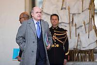 BRUNO LE ROUX MINISTRE DE L'INTERIEUR QUITTE LE PALAIS DE L'ELYSEE APRES LE CONSEIL DES MINISTRES DU 11 JANVIER 2017 A PARIS.