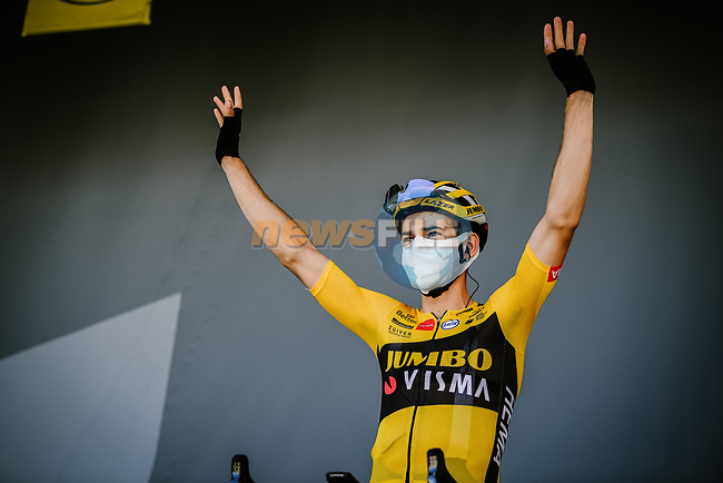 Wout Van Aert (BEL) Team Jumbo-Visma at sign on before Stage 6 of Tour de France 2020, running 191km from Le Teil to Mont Aigoual, France. 3rd September 2020.<br /> Picture: ASO/Pauline Ballet | Cyclefile<br /> All photos usage must carry mandatory copyright credit (© Cyclefile | ASO/Pauline Ballet)