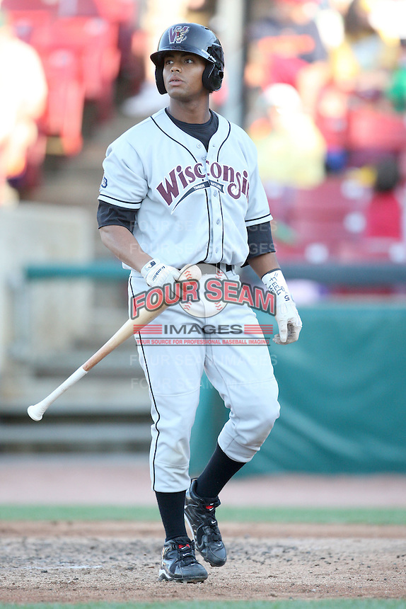 May 27, 2010: Khristopher Davis (5) of the Wisconsin Timber Rattlers at Elfstrom Stadium in Geneva, IL. The Timber Rattlers are the Midwest League Class A affiliate of the Milwaukee Brewers. Photo by: Chris Proctor/Four Seam Images