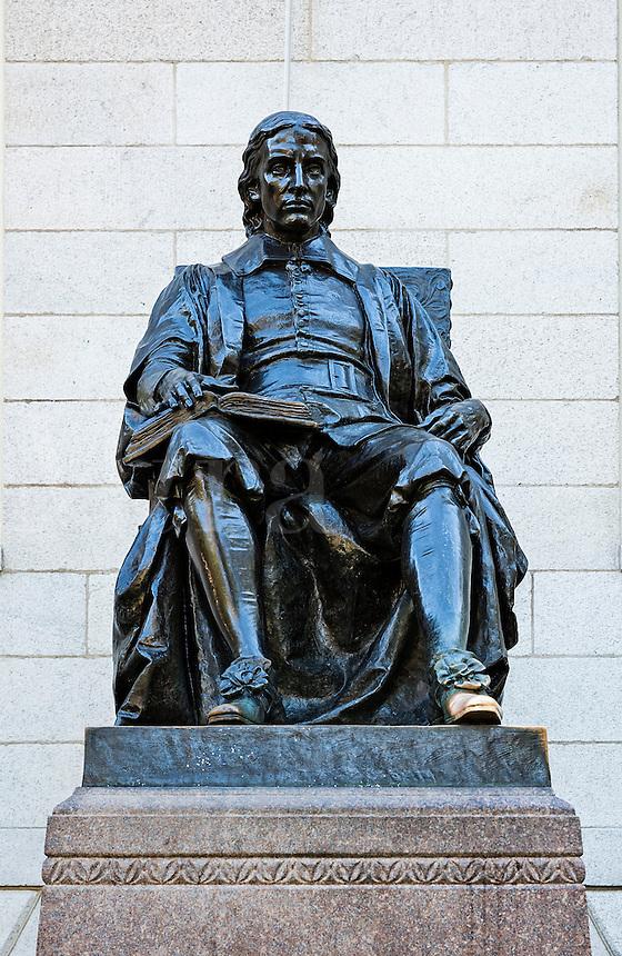 Bronze sculpture of John Harvard overlooking Harvard Yard main campus, Harvard University, Massachusetts, USA