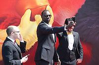 john cohen omar sy et timur rodriguez en photocall pour celebrer avec le film angry birds l ouverture du festival du film a cannes le mardi 10 mai 2016