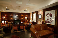 :  Nelligan Hotel