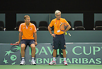 Swiss, Genève, September 14, 2015, Tennis,   Davis Cup, Swiss-Netherlands, practise Dutch team,  coach Martin Bohm and captain Jan Siemerink (L)<br /> Photo: Tennisimages/Henk Koster
