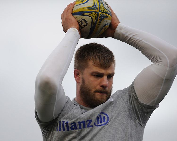 George Kruis of Saracens warms up with some lineout practice before the Premiership Rugby match between Harlequins and Saracens - 09/01/2016 - Twickenham Stoop, London<br /> Mandatory Credit: Rob Munro/Stewart Communications