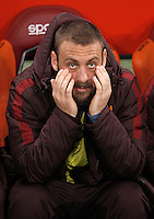 Calcio, Serie A: Roma vs Inter. Roma, stadio Olimpico, 19 marzo 2016.<br /> Roma's Daniele De Rossi sits on the bench during the Italian Serie A football match between Roma and FC Inter at Rome's Olympic stadium, 19 March 2016. The game ended 1-1.<br /> UPDATE IMAGES PRESS/Isabella Bonotto