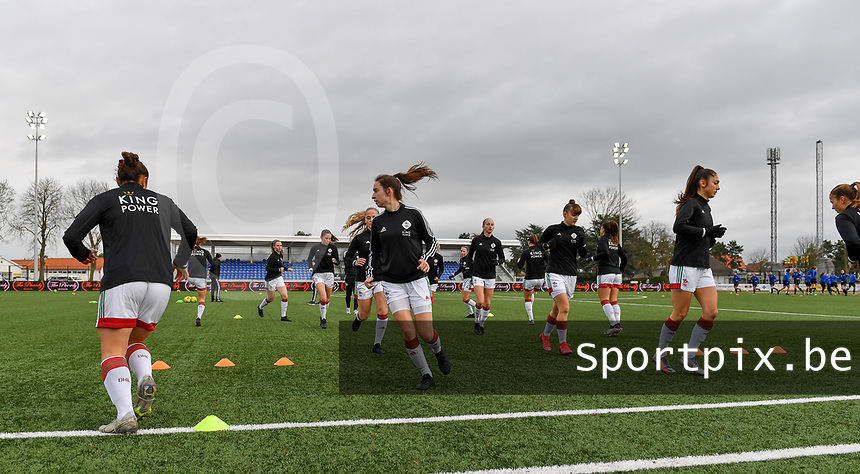 illustration picture showing the players of OHL during warminug up of a female soccer game between Club Brugge Dames YLA and Oud Heverlee Leuven on the 8 th matchday of the 2020 - 2021 season of Belgian Scooore Womens Super League , saturday 21 th November 2020  in Knokke , Belgium . PHOTO SPORTPIX.BE | SPP | DAVID CATRY
