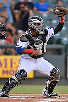 Round Rock Express right fielder Tomas Telis (25) catches pitch during pacific coast league baseball game, Friday August 15, 2014 in Round Rock, Tex. Reno defeats Round Rock 11-9 to sweep three game series. (Mo Khursheed/TFV Media via AP Images)