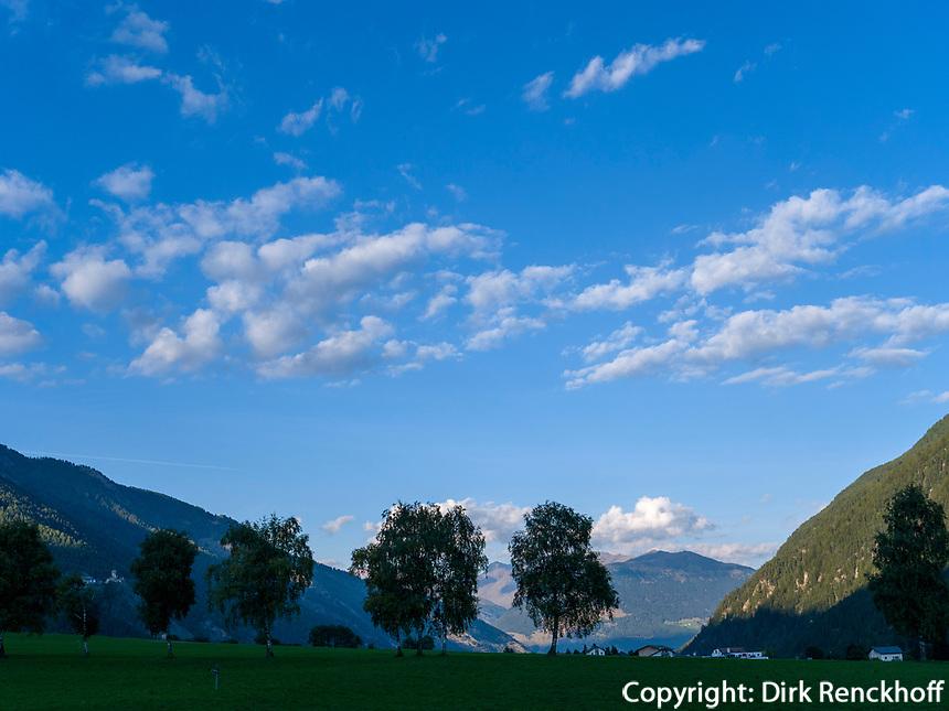 Val Müstair-Münstertal bei Müstair, Engadin, Graubünden, Schweiz, Europa<br /> Val Müstair-Münster Valley near Müstair, Engadine, Grisons, Switzerland