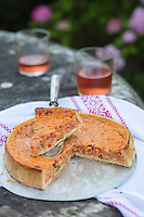 France, Aquitaine, Pyrénées-Atlantiques, Pays Basque,  Ainhoa: Tarte à la piperade, recette de Dominique Massonde, chef de La Maison Oppoca Hôtel-Restaurant //  France, Pyrenees Atlantiques, Basque Country: Piperade Pie, recipe Massonde Dominique, chief of Oppoca House Hotel Restaurant