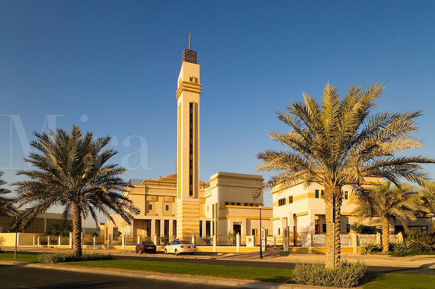 Dubai.  Newly constructed neighbourhood/neighborhood mosque at Emirates Hills community centre/center in residential area...