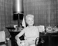 Sujet : Murielle Millard<br /> Date : Entre le 6 et le 11 septembre 1966<br /> <br /> Photographe : Photo Moderne<br /> - Agence Quebec Presse