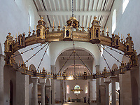 mittelalterlicher Radleuchter Bischof Hezilos im Mariendom, Hildesheim, Niedersachsen, Deutschland, Europa, UNESCO Weltkulturerbe<br /> medieval wheel chandelier bishop Hezilos, Cathedral of St. Mary Hildesheim, Lower Saxony, Germany, Europe, UNESCO Heritage Site
