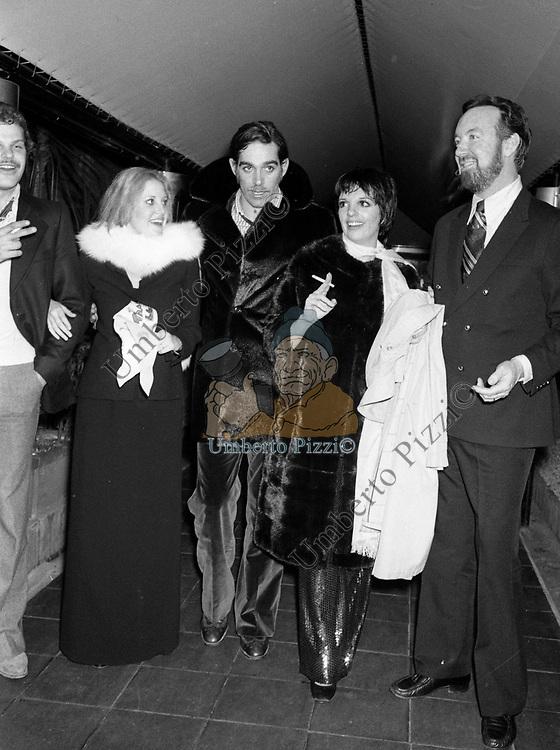 LORNA LUFT, FABIO TESTI,  LIZA MINELLI E JACK HALEY<br /> FESTA PER LIZA MINELLI  AL JACKIE O' ROMA 1975