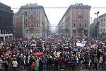 Italia, Milano, Piazza Castello con vista su via Dante, 13/02/2011, manifestazione donne, Women demonstration against Berlusconi and Rubygate