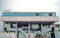 Rudolph Schindler: Lovell Beach House, frontal elevation.