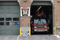 Camion de pompiers du SIM, a la caserne<br /> <br /> 2104