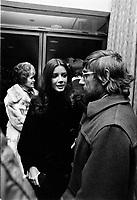 Gilles Carle et les acteurs du films a la premiere de LA MORT D'UN BUCHERON<br /> , le 25 janvier 1973<br /> <br /> La Mort d'un bûcheron est un film qui met en vedette la musicienne Carole Laure, accompagnée de Daniel Pilon, Willie Lamothe et Denise Filiatrault. <br /> <br /> <br /> Photo : Agence Quebec Presse