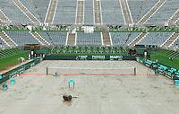 4-3-09,Argentina, Buenos Aires, Daviscup  Argentina-Netherlands, Rain, Het verregende stadion afgedekt met zijldoek biedt een troosteloze aanblik