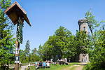 Germany, Thuringia, Ilmenau: view tower at Kickelhahn mountain (861 m) in Thuringian Forest | Deutschland, Thueringen, Ilmenau: Aussichtsturm auf dem Kickelhahn, 861 Meter hoher Berg im Thueringer Wald, der Goethe-Wanderweg fuehrt hier entlang