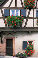 Europe/France/Alsace/67/Bas-Rhin/Saint-Jean-Saverne : Détail vielle maison du village
