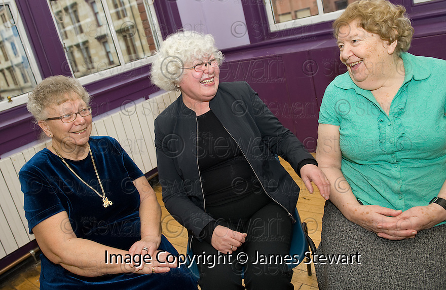 :: BIG LOTTERY FUND :: MEMBERS OF THE PUBLIC AT THE ANNEXE CONNECTS PROJECT WHICH TODAY RECEIVED AN AWARD OF £275,597 FROM THE BIG LOTTERY FUND ::