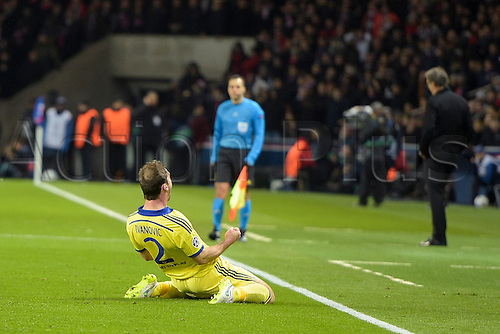 17.02.2015. Paris, France. Champions League football. Paris St Germain versus Chelsea. Goal celebrations from Branislav Ivanovic (Chelsea)