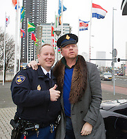 09-02-13, Tennis, Rotterdam, qualification ABNAMROWTT, Boris Becker, jokes with a policeman