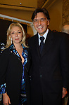 """ANTONELLA RODRIGUEZ CON ENRICO GASBARRA<br /> VERNISSAGE """"ROMA 2006 10 ARTISTI DELLA GALLERIA FOTOGRAFIA ITALIANA"""" AUDITORIUM DELLA CONCILIAZIONE ROMA 2006"""