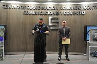 Cuernavaca, Morelos. 2 de enero de 2016.- Confirman el Comisionado Estatal de Seguridad Alberto Capella y el Fiscal Javier Pérez, que hay tres personas detenidas por el asesinato de Gisela Mota, entre ellos un menor de edad a los que se les decomisaron armas y equipo táctico en el operativo de detención.<br /> <br /> Mientras tanto decreta cabildo tres días de luto en Temixco, y exigen a las autoridades se esclarezcan los hechos. <br /> <br /> Fotos: Noé Knapp