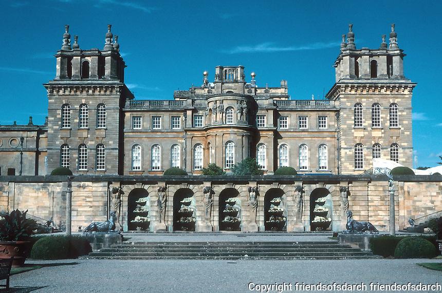 Sir John Vanbrugh: Blenheim Palace, southern elevation. Library is behind the windows. Photo '05.