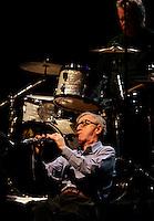 Il regista statunitense Woody Allen, in basso, suona il clarinetto durante un concerto con la sua New Orleans Jazz Band all'Auditorium di Roma, 31 marzo 2010..U.S. movie director Woody Allen, bottom, plays his clarinet during a concert with his New Orleans Jazz Band at Rome's Auditorium, 31 march 2010..UPDATE IMAGES PRESS/Riccardo De Luca