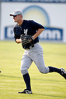 August 15, 2009:  Right Fielder Chad Gross of the Staten Island Yankees during a game at Dwyer Stadium in Batavia, NY.  Staten Island is the Short-Season Class-A affiliate of the New York Yankees.  Photo By Mike Janes/Four Seam Images