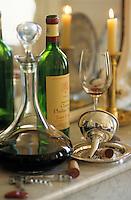 Europe/France/Aquitaine/33/Gironde/Saint-Estèphe: château Phelan-Ségur (AOC Saint-Estèphe) - Service du vin - Passage du vin en carafe
