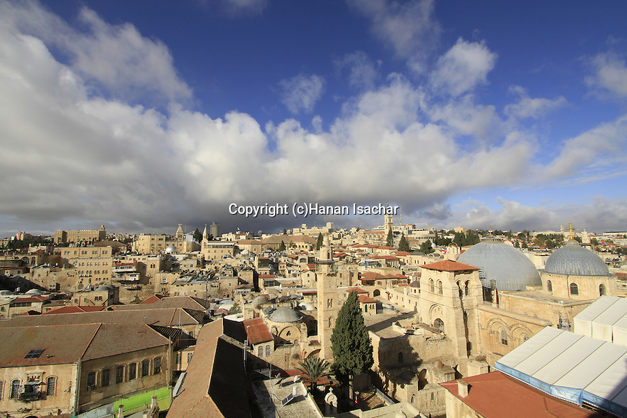 Israel, Jerusalem Old City, a view of the Church of the Holy Sepulchre and the Christian Quarter from the bell tower of the Church of the Redeemer