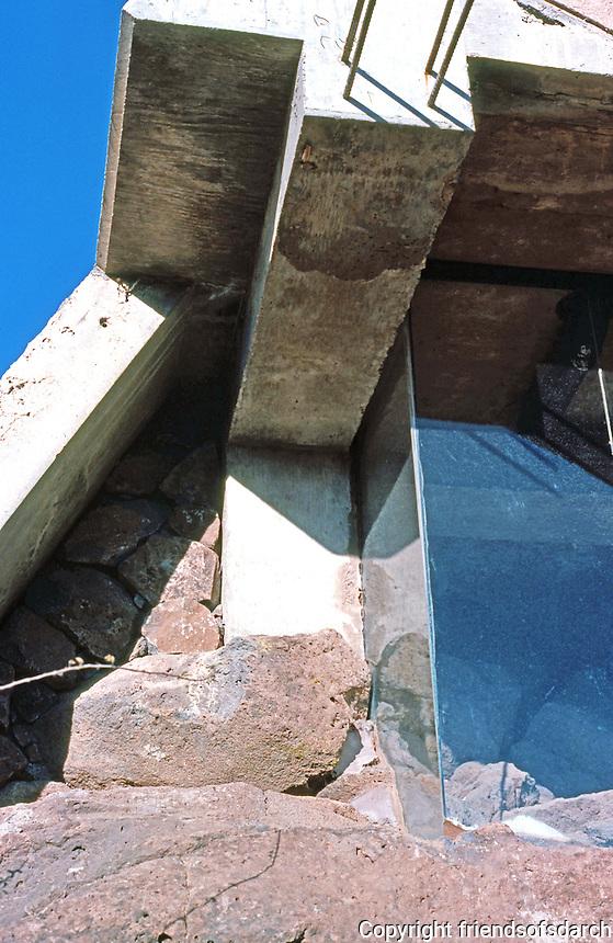 Paolo Soleri: ARCOSANTI. Detail--window, side of foundry. Photo '76.